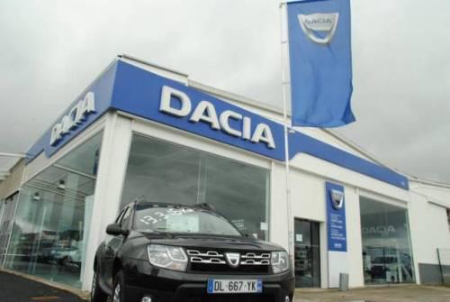 Sébastien Colas, 45 ans, vendeur depuis cinq ans sur le site Dacia-Renault à Évreux qui compte 93 salariés, s'est pendu, ici, sur les lieux de son travail.