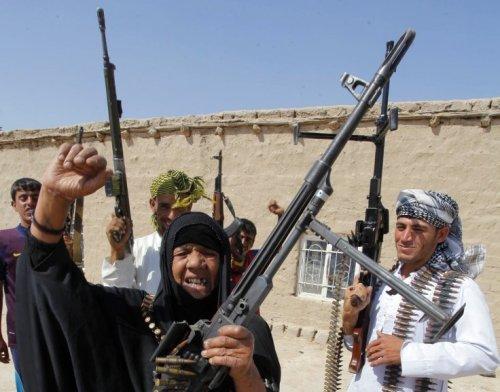 Une femme irakienne prend les armes pour combattre Daesh