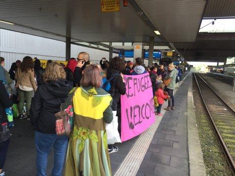 Accueil du train de réfugiés à Düsseldorf