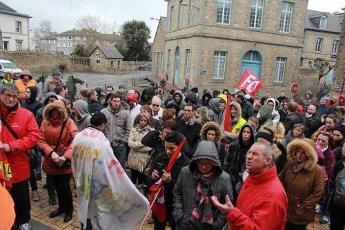 greve-la-cooperl.direct.les-salaries-defilent-dans-le-centre-ville_0