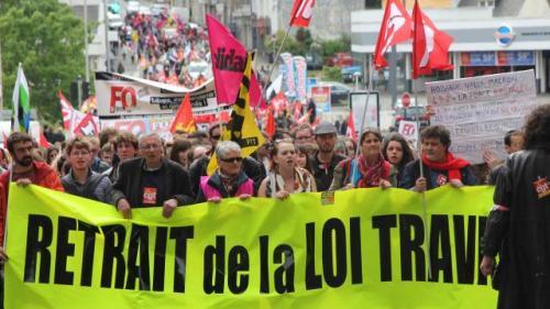un-millier-de-manifestants-contre-la-loi-el-khomri-saint-brieuc